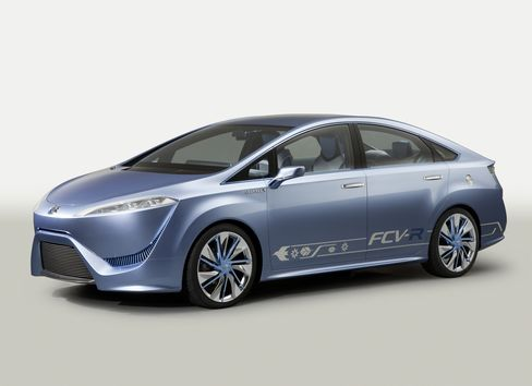 Toyota to Unveil Hydrogen-Fueled Sedan, Aqua Compact Hybrid