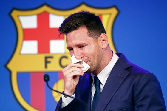 Tearful Messi Says Paris Saint-Germain Is 'a Possibility'