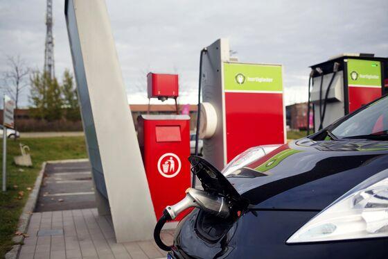 Circle K Owner Plans Electric-Car Charging Push in U.S., Canada