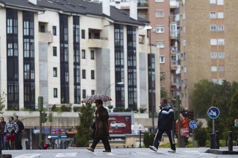 Spain $185 Billion Refinancing Tests Rajoy's Bank Cleanup Effort