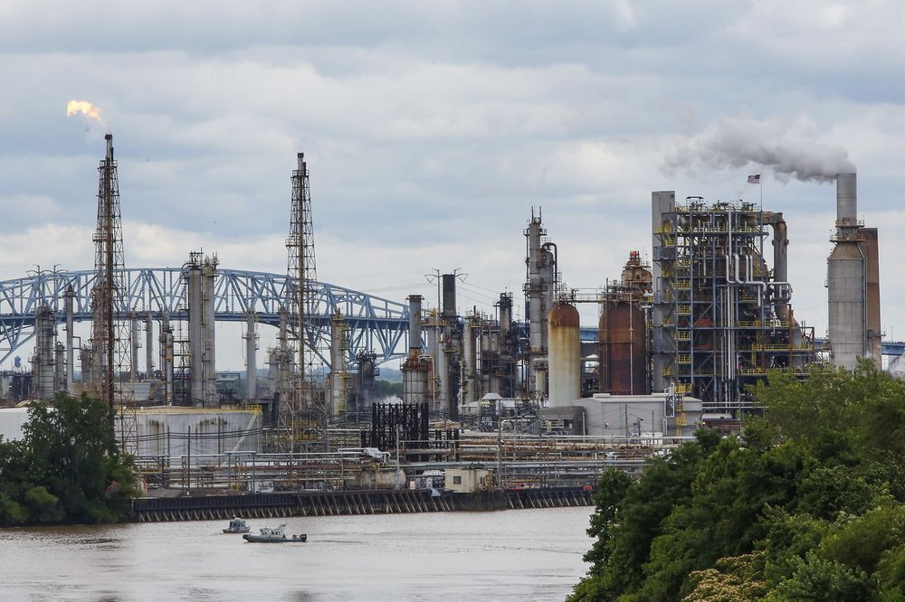 Biggest East Coast Refinery to Close, Driving Up Fuel Prices - Bloomberg