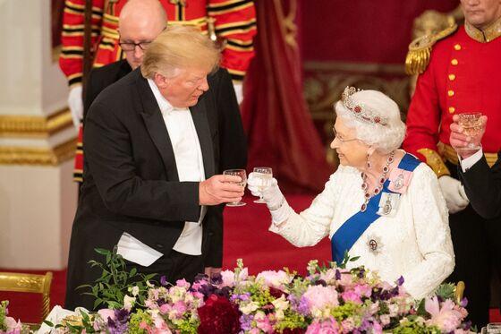 Trump Spurs On Brexit in London Visit, Diving Into U.K. Politics