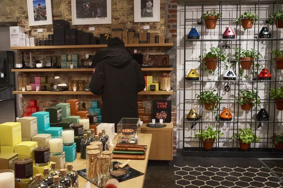 MarijuanaGear for Discerning New Yorkers Is Flying off the Shelves