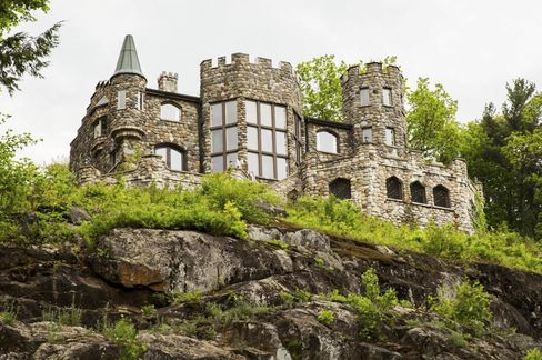 The castle is made from 800 tons of stone.