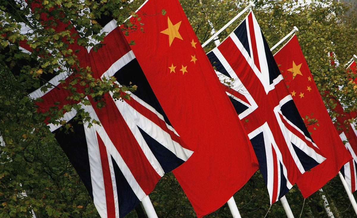 Boris Johnson Says U.K. Doesn't Want to Turn Away Chinese Investment