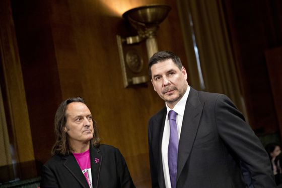 Lawmakers Tell T-Mobile, Sprint ChiefsThat Deal Raises Red Flags