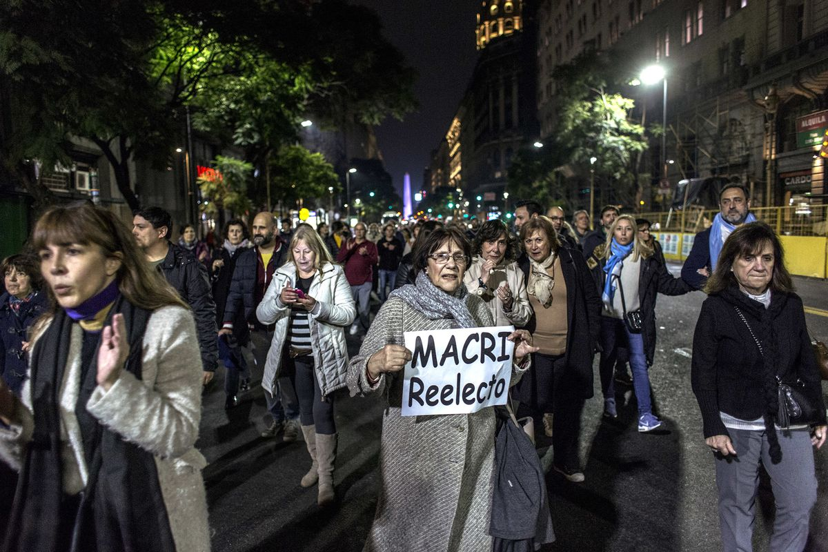 Argentines Stand By Fernandez as Market Turmoil Shows No Respite