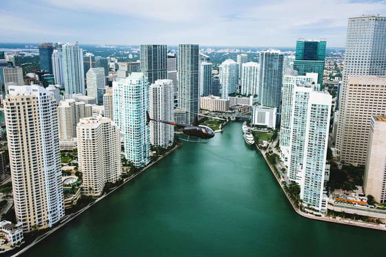 As Wall Street Heads South, Florida Braces for a Gold-Plated Makeover
