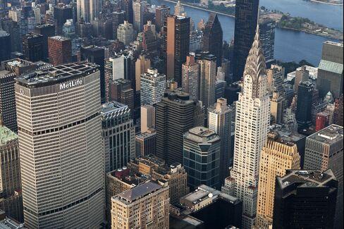 Manhattan New Apartment Rentals Triple, Tenants Don't Renew