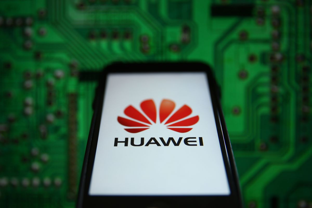 U.K. Law May Fine Carriers 10% of Sales for Breaching Huawei Ban