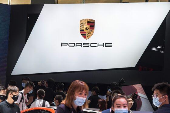 Porsche Budgets $1.1 Billion on Digitization for Its Cars