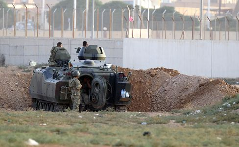 Turkey Bolsters Border Units Amid Artillery Exchanges With Syria