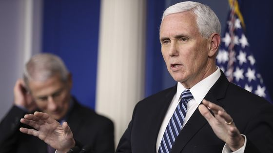 Pence, CDC Head Lay Out Virus Criteria to Reopen U.S. Economy