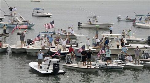 Shutdown Hit Boehner Diner to Gulf Vet as U.S. Lost $24 Billion