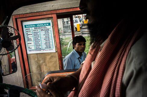 Lingerie Delayed as $519 Billion India Jam Idles Trucks