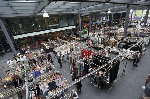 Shoppers At Spitalfields Market