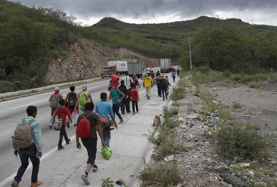 Trump Threatens to Close U.S.-Mexico Border to Stop Migrants