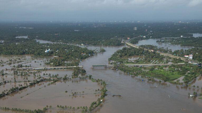Kết quả hình ảnh cho kerala flood satellite view