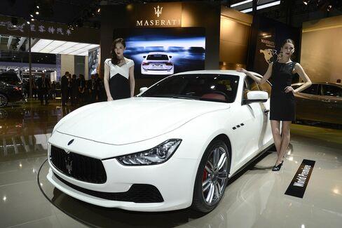 Maserati's Ferrari-Fueled Ghibli Targets Bored BMW Drivers