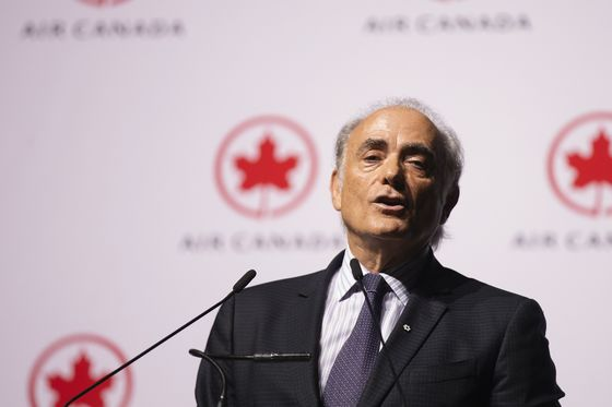 Air Canada Rises as CEO Takes Upbeat Tone on Government Aid
