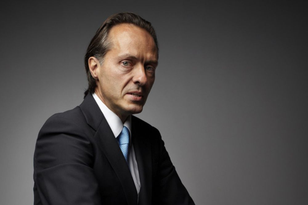 New T Mobile Ceo Legere Faces Promising Problems Bloomberg