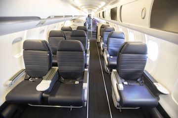 First Class Seats On United Airlines 2019 New Regional Options Bloomberg