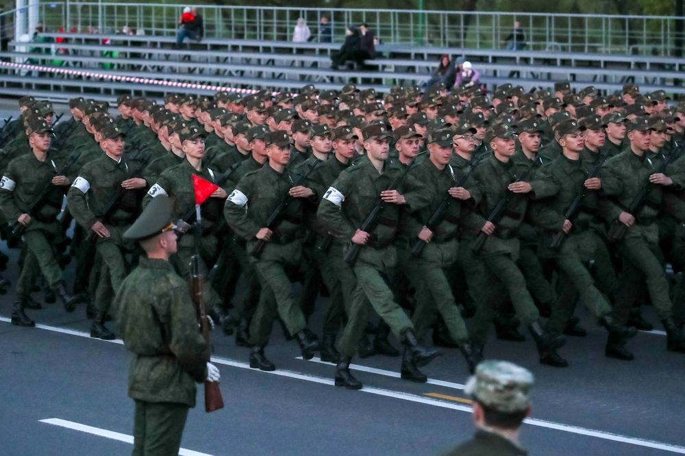 Belarus Holds Military Parade Defies Neighbors Virus Fears Bloomberg