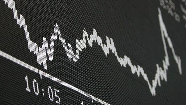 Jeff Gundlach Thinks S&P 500 Puts Are Cheap