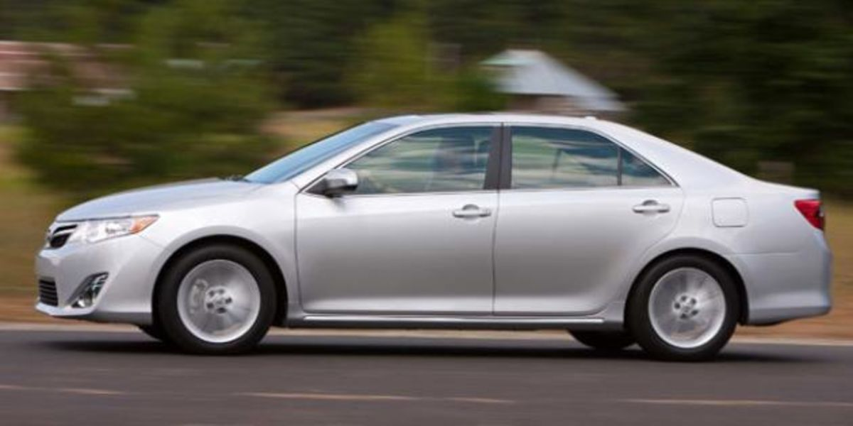 Camry Gas Mileage >> 2012 Toyota Camry Bloomberg