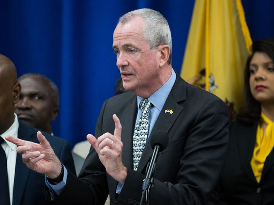 N.J. Governor, Wife Paid More Than $300,000 in Property Taxes