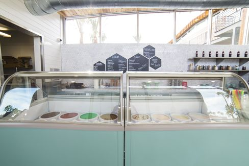 Best new ice cream shops in america bloomberg for Palm springs tattoo shops