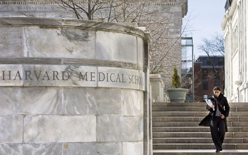 Harvard Medical School bolsters code on conflicts