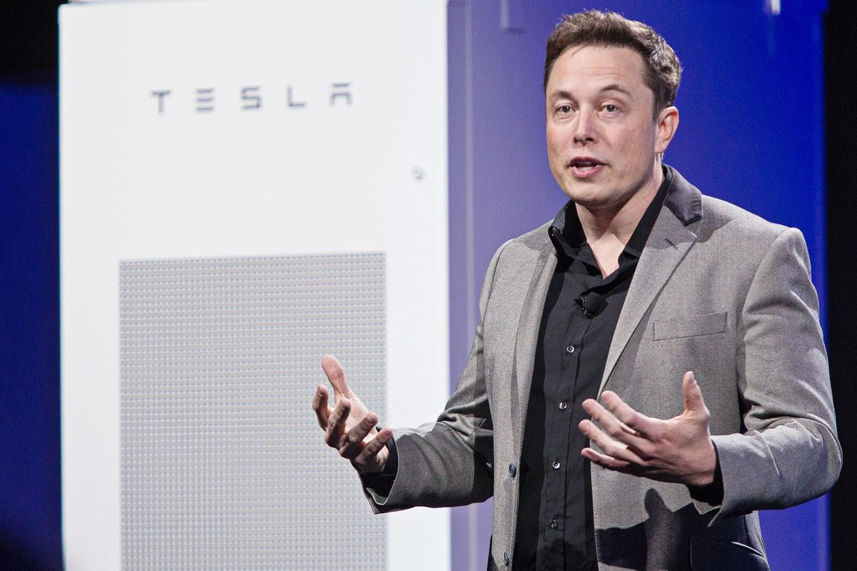 Tesla Seeks Independent Directors as Board's Musk Ties Eyed