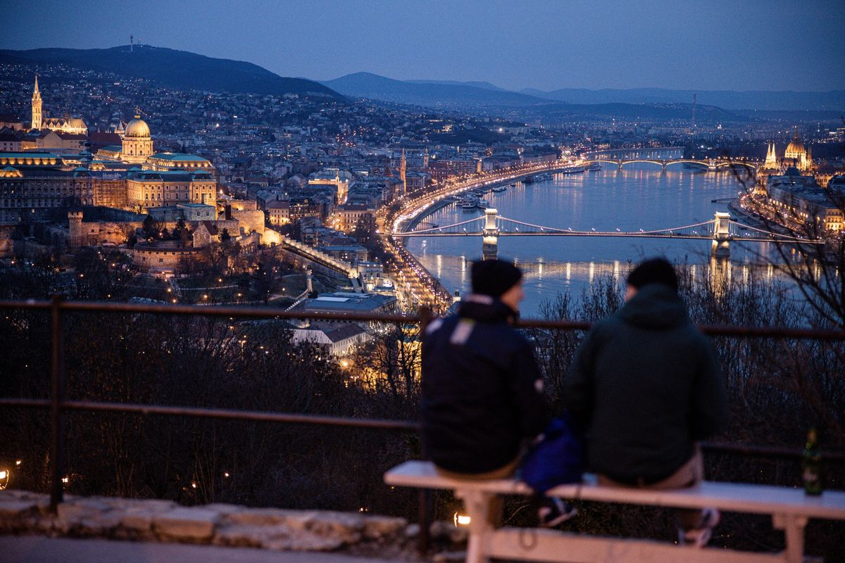 bloomberg.com - Veronika Gulyas - Bond Vigilantes Swarm European Economies Where Inflation Is Hot