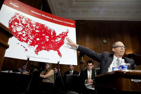 Verizon, Comcast Airwaves Accord Wins Antitrust Approval