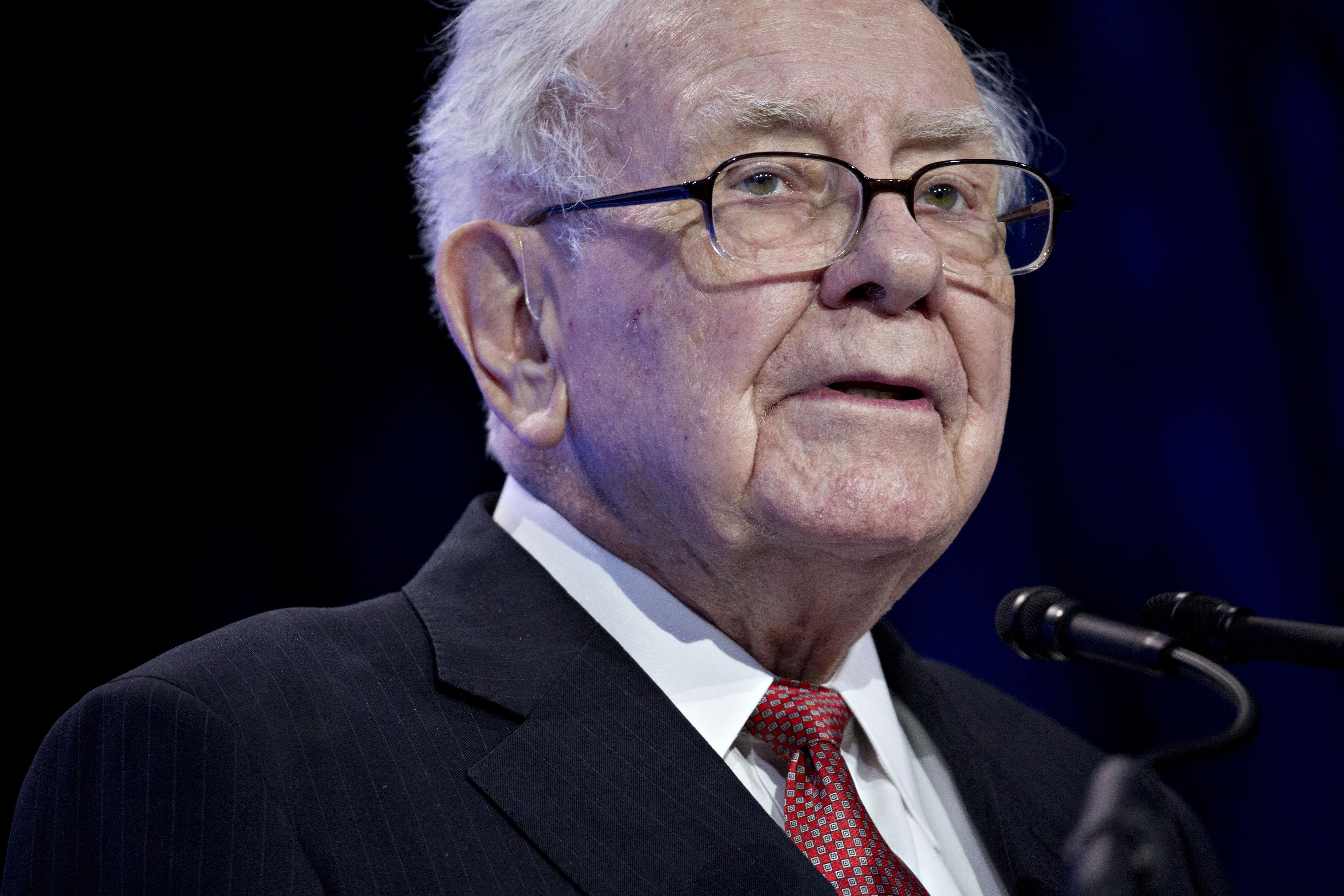 bloomberg.com - Andrew Blackman - Warren Buffett to Expand His Real Estate Empire to Milan, Dubai