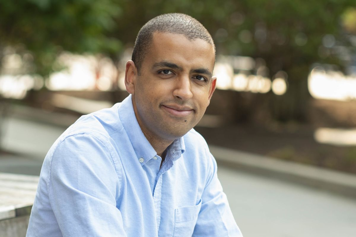 Harvard's Andrews Wins Bates Medal for Statistical Modeling Work thumbnail