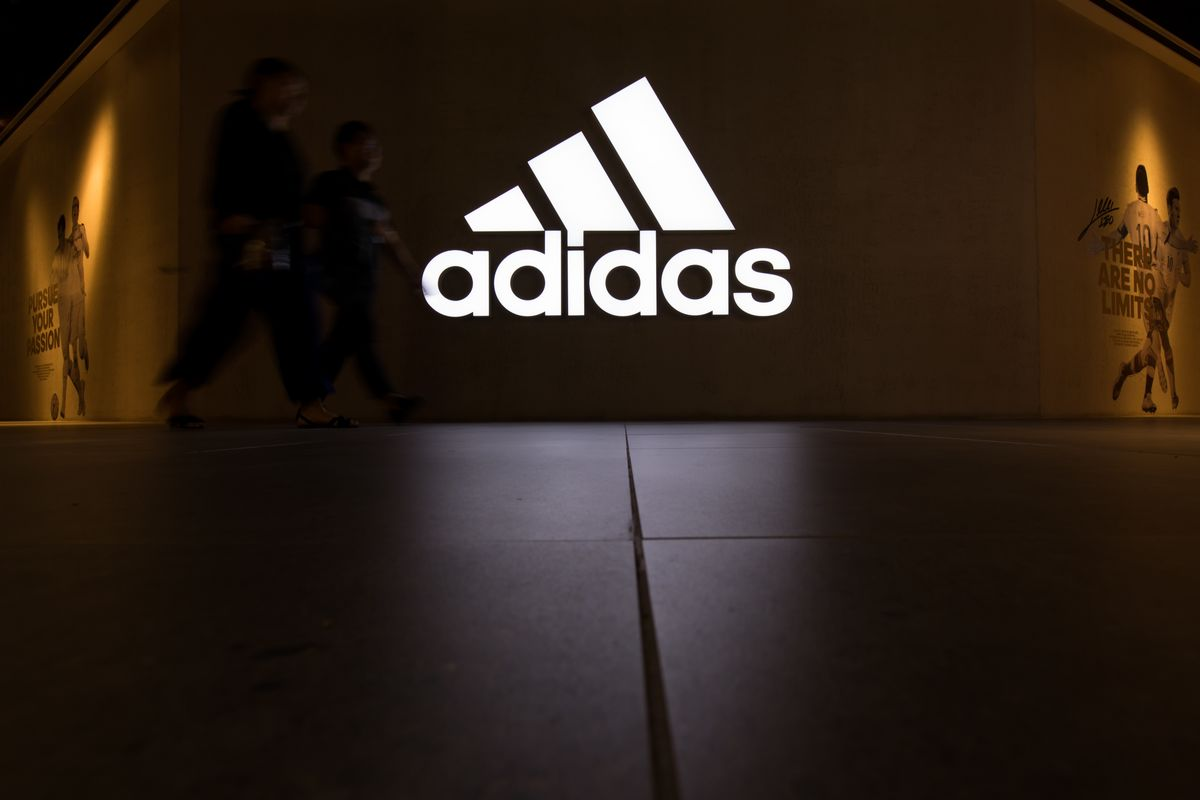 editorial boxeo éxito  Adidas Is Said to Seek Over 1 Billion Euros of State Aid - Bloomberg