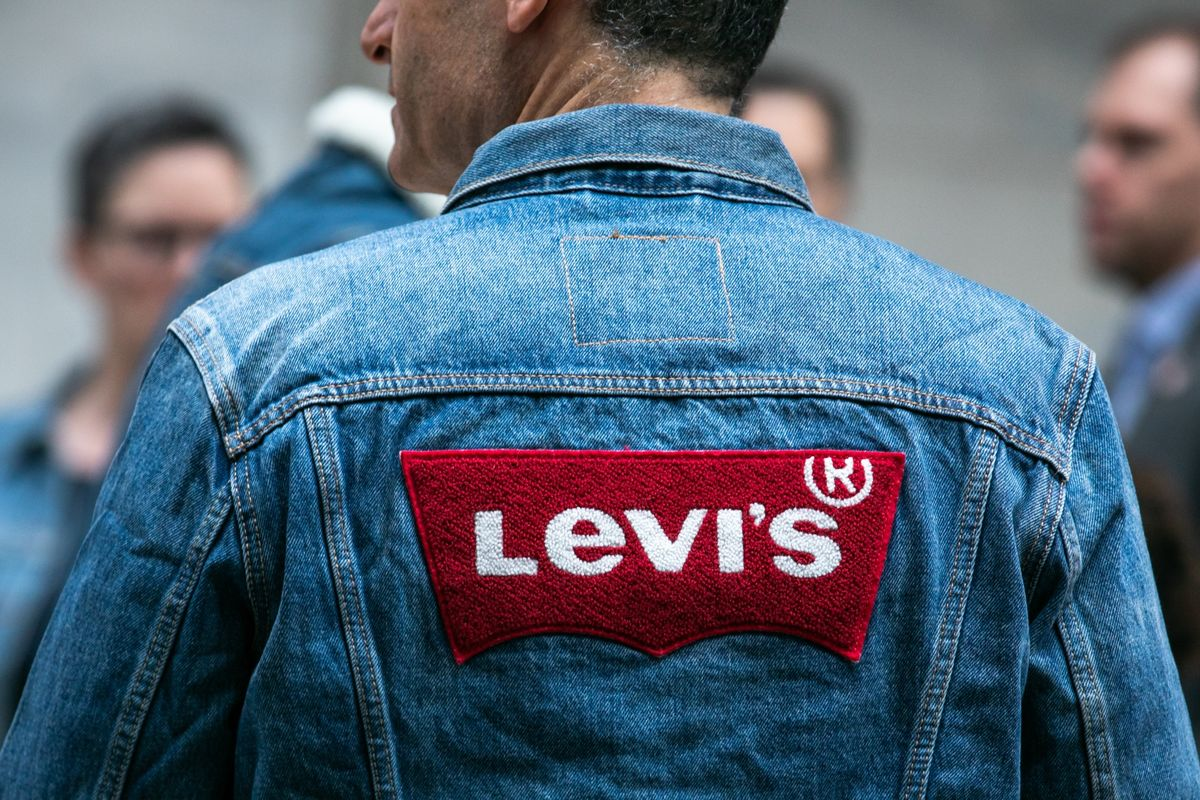 Levi Shares Gain Ahead of Insiders First Chance to Sell Stock