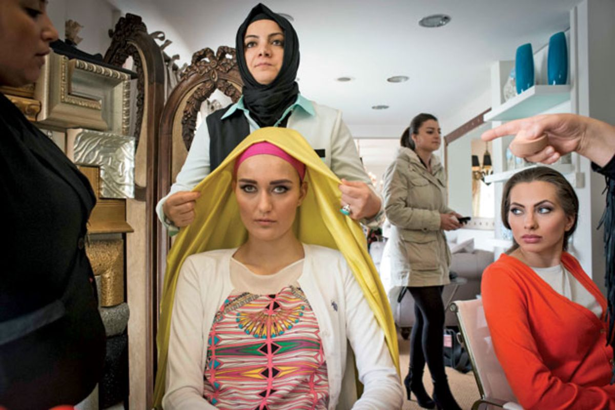 turkish fashion designers make muslim style chic bloomberg