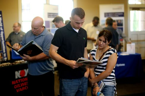 U.S. Jobless Rate Drops for the Worst of All Reasons