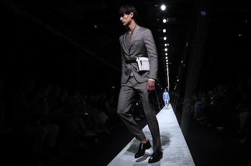 A severe fanny pack appeared at Canali.