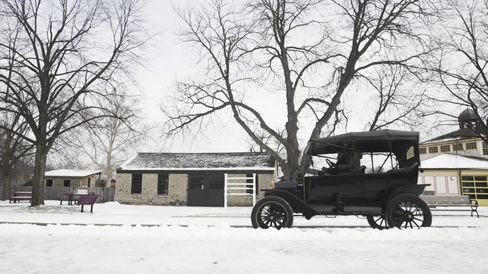 The Ford Model T has a top speed of 45 mph, but it cruises closer to 20 mph.