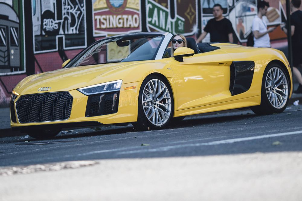 2018 Audi R8 Spyder Review 175000 Of Power And Precision Bloomberg