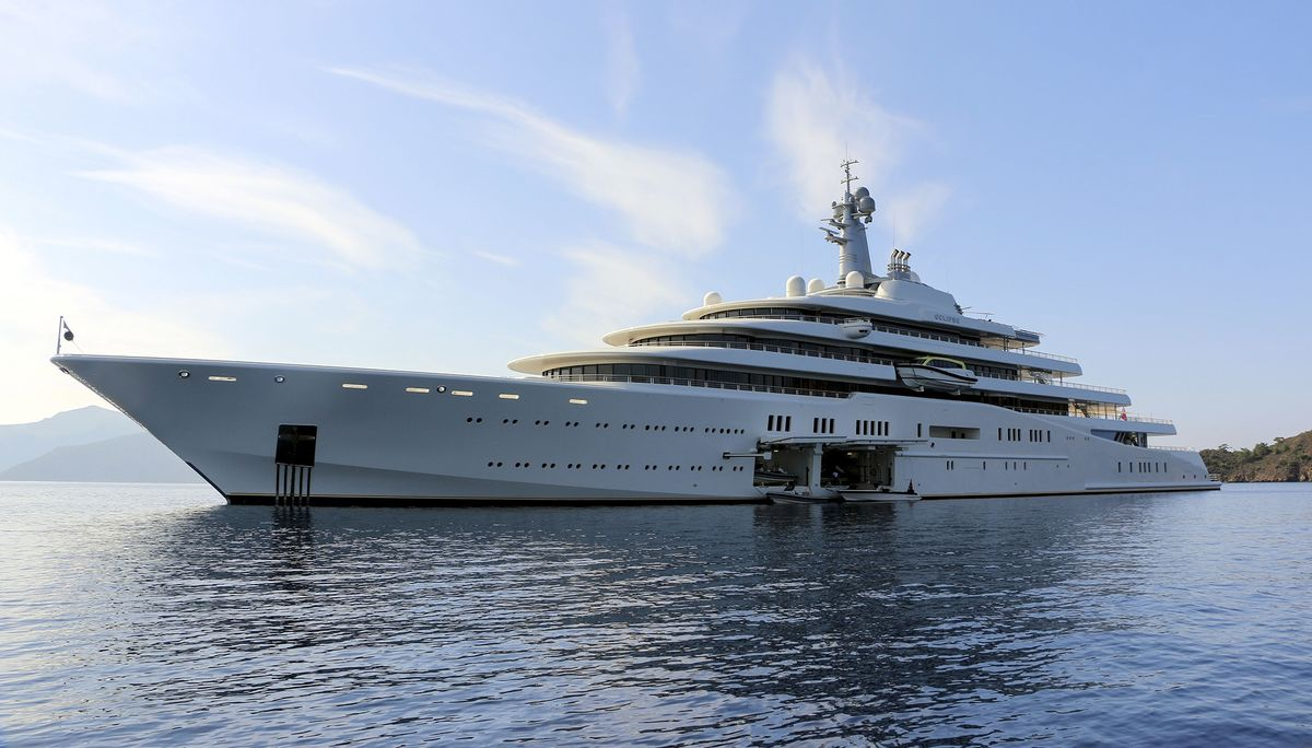Superyachts Betray Where Billionaires Are Spending Christmas