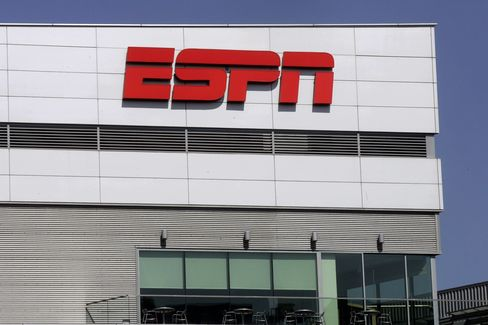 Disney's ESPN Holds Preliminary Talks for Web-Based Pay TV
