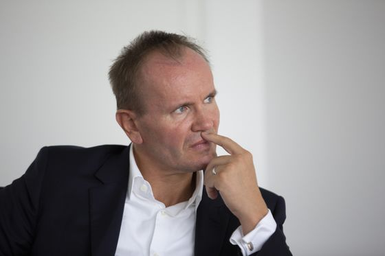 Billionaire Wirecard CEO Takes $221 Million Hit on Fraud Report