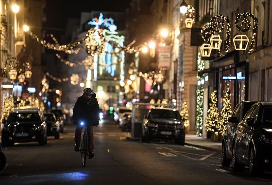 NYC Sees Post-Holiday Closing; Colorado Toll Rises: Virus Update