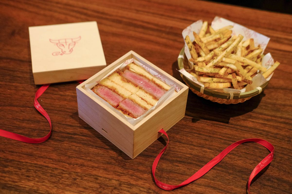 Don Wagyu Review: $185 Wagyu Steak Sandwiches on Wall Street - Bloomberg