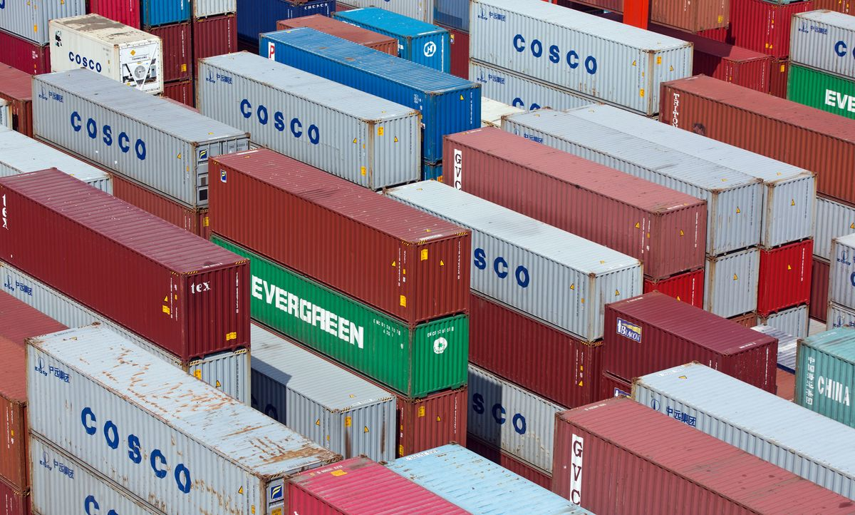 Cosco Shipping Signs $738 Million Deal to Expand U A E  Port - Bloomberg